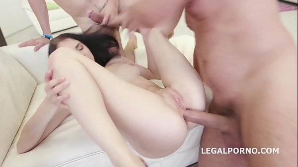 Young Sluts Crystal Greenvelle and Kira Thorn a...