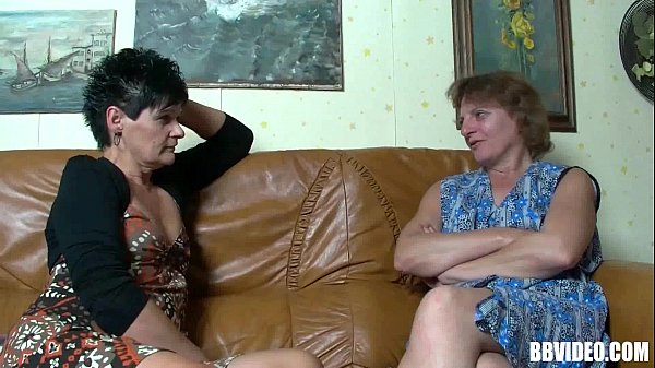 Two mature german sluts sharing cock in threesome