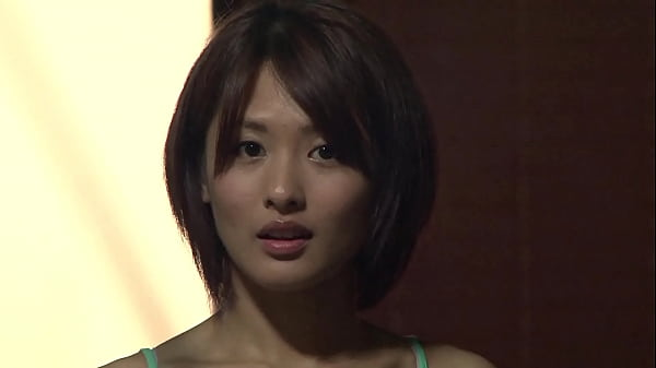 A woman who sends her gaze even though she has a boyfriend, I can't just stare at her, so when I leave the place ..Part 3