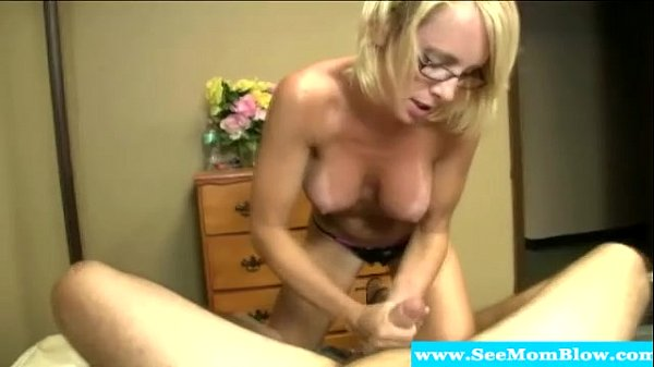 Milf tuggs and blows and shows sexy body