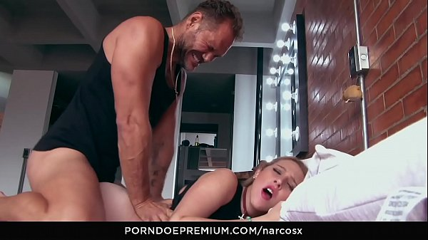 NARCOS X - Colombian Latinas choose dick over m...