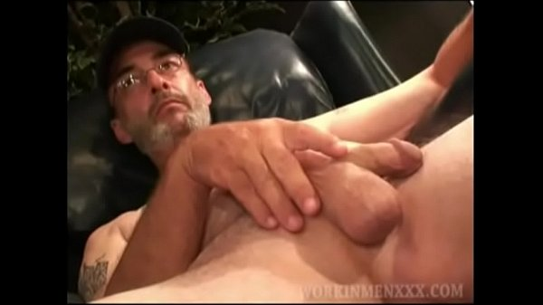 2018-11-18 02:01:05 - Mature Amateur Phillip Beating Off 7 min  http://www.neofic.com