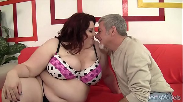 Fat Beauty Gets Her Mouth and Twat Filled with ...