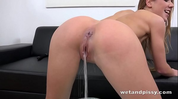Her Crazy Squirting Pussy Thumb
