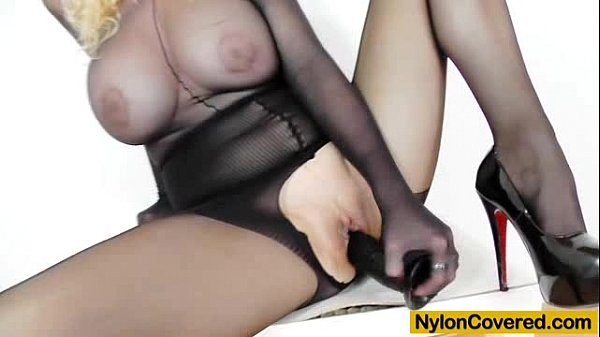 In Addition To black nylon comes black fake dong