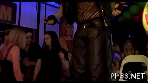Drunk cheeks in club sucking dick while somebody fucking their snatch Thumb