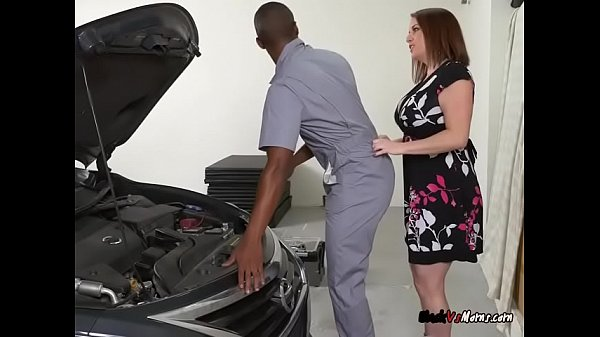 Curvy MILF Maggie Green Seduces And Blows Mechanic