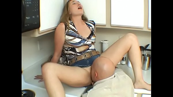 Amateur Couple is having hot sex , he licks her to orgasm Thumb