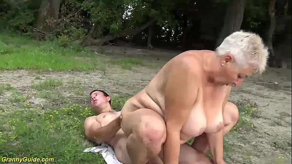 busty 69 years old bbw grannie outdoor banged Thumb
