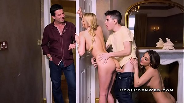 Pussy fucking and mouth fucking in threesome