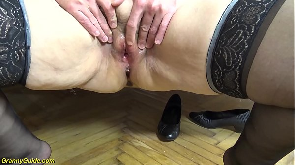 creampie with chubby ugly 79 years old mom Thumb