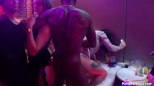 Amateur whore Elle goes wild & lets 5 strippers pound on her cunt (including 2 barebacks) in PHGC 39 - Cam 4 Thumb
