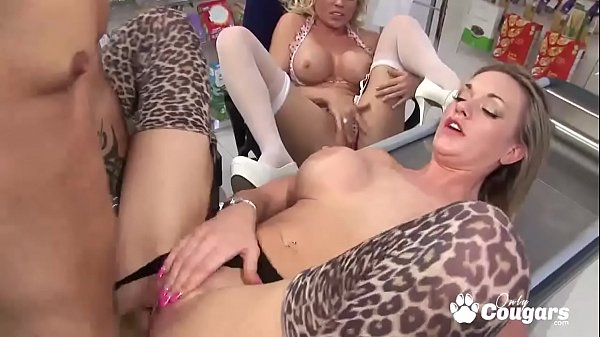 British Cougars Cindy Behr And Paige Ashley Bang The Market Manager Thumb