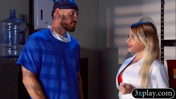 Kinky big boobs blondie nurse pounded in the hospital Thumb