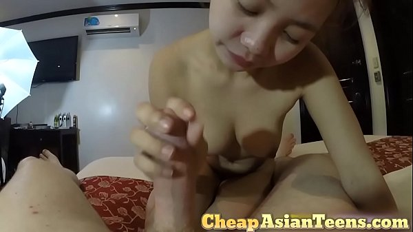 Tiny Chrysan Playing with White Dick in Singapore Hotel - CheapAsianTeens.com