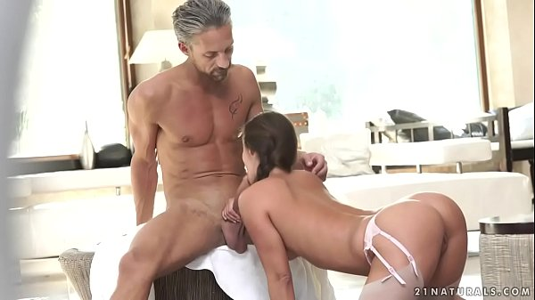 Booty Amirah Adara riding a long dick Thumb