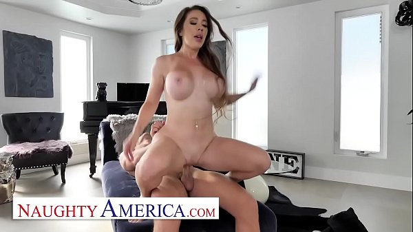 Naughty America - driver gets lucky with Bianca...
