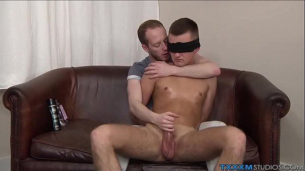 2018-11-15 04:01:00 - Perverted twink has fun with his blindfolded boyfriend 9 min  HD http://www.neofic.com