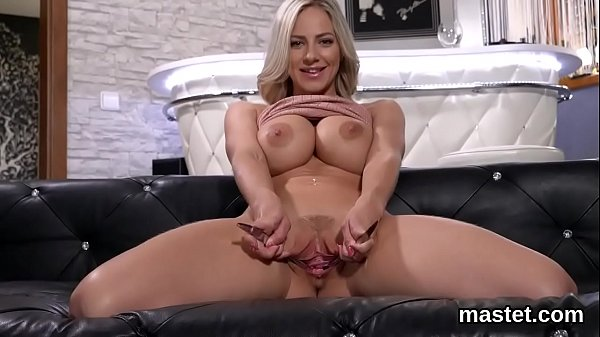 Spicy czech kitten stretches her yummy snatch to the special