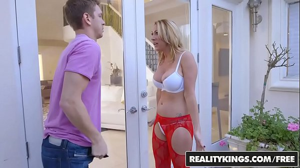 RealityKings - Milf Hunter - Janna Hicks Marcus - Neighboring Milf Thumb