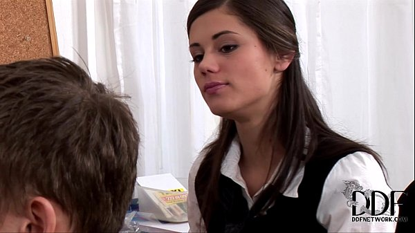 Sexy y. Caprice doing a blowjob & gets cumshot Thumb