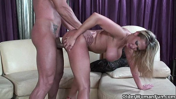 Blonde milf Alanah Rae puts her mouth and pussy...