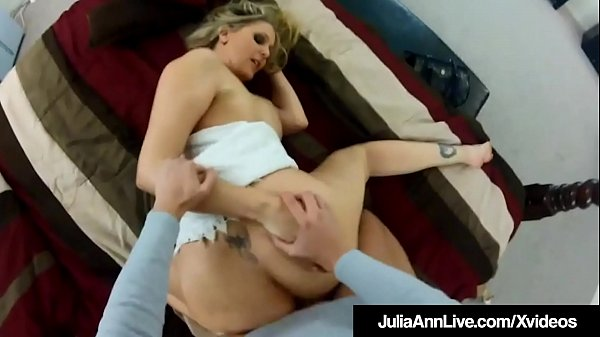 Unaware Milf Julia Ann Fucked DoggyStyle On Hid...