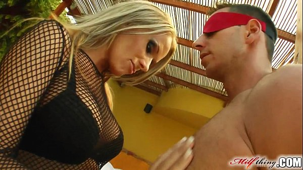MILF Vivien's holes are in high demand by these...