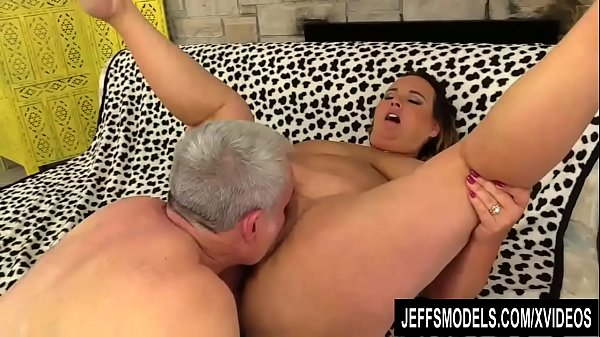 Sexy BBW Slut Scarlet Has Her Pussy Licked and ...