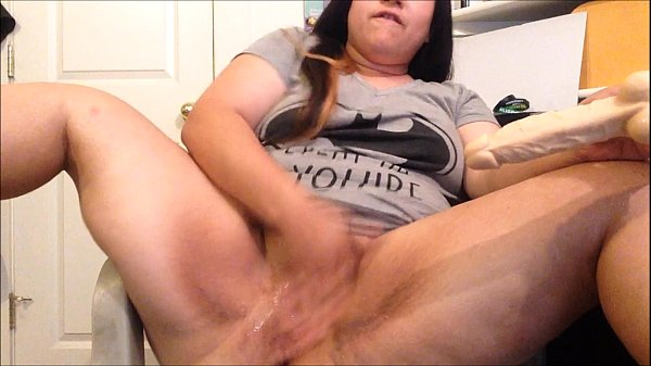 Squirting Slut Makes Pussy Cum