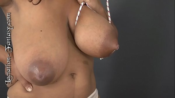 Niketa sucks on some huge tits! Thumb
