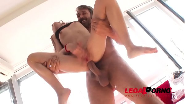 Stephanie Moon gets intensely fucked by Steve Holmes & Mike Angelo