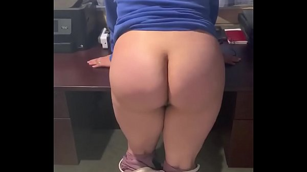 Cute ass used for cumdump while shaking it like a teasing thot. I wouldn't let him fuck me for a few weeks so begged to jack off. Thumb