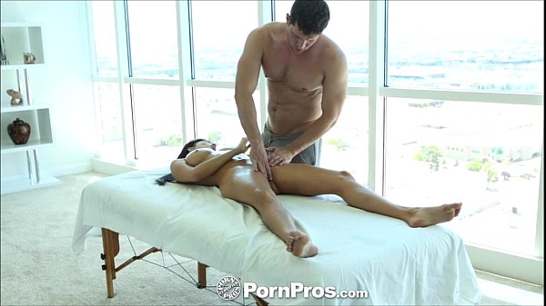 HD - PornPros Hot curvy Anissa Kate gets a full body massage