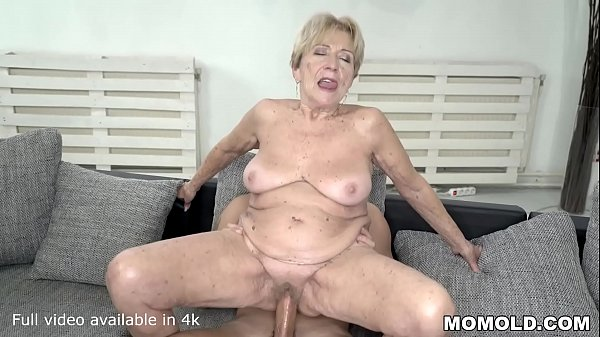 70  mature lady still loves big dicks Thumb