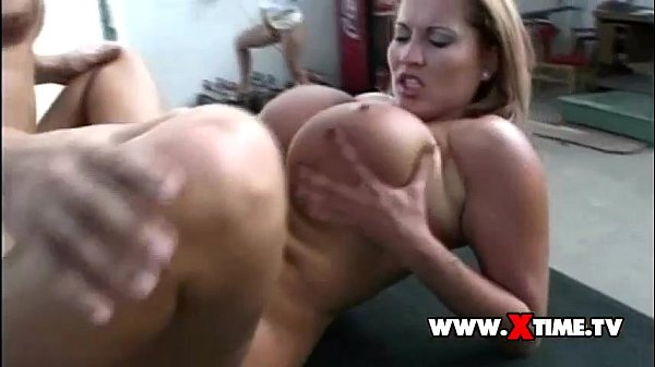 Rocco Siffredi FUCK a nice bitch in her ASS!!!