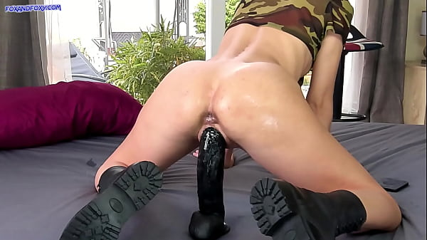 Huge black dildo make me huge squirt and I d. this!