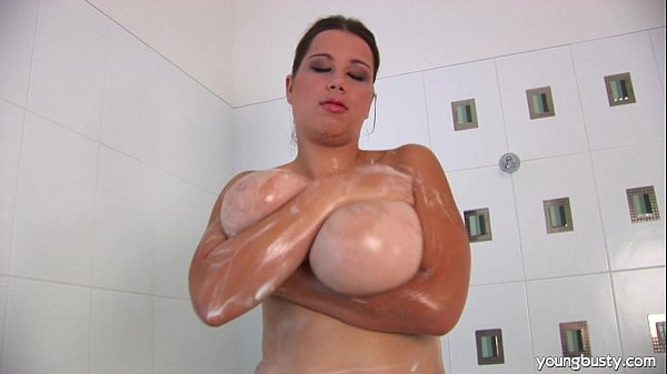 Giant titted young Lea washing her body