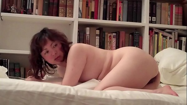 CHINESE HOOKER - FIRST TIME ANAL (BELLA)