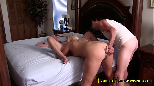 Fucking a Horny Housewife While She Eats Pussy