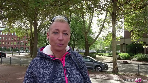 GERMAN SCOUT - MOM MANDY DEEP ANAL SEX AT STREET CASTING