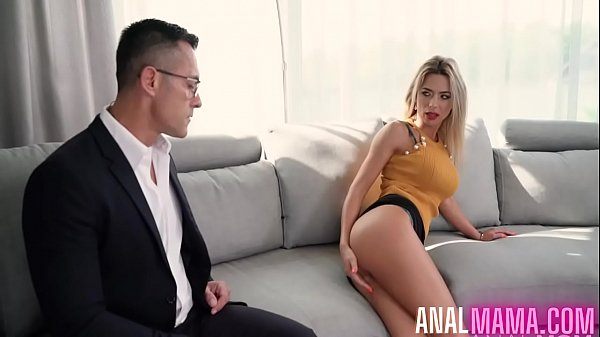 Hot Mom Shalina Devine Fucked The Debt Collector Thumb