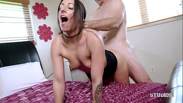 Alissa Avni in No Longer Oblivious Daughter - P...