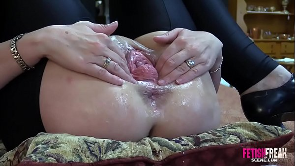 Fetish Freak Scene Pussy boxed and punch fisted extreme hardcore