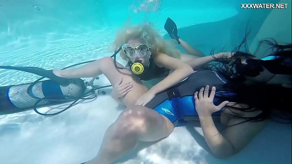 Vodichkina and Farkas underwater hot lesbians