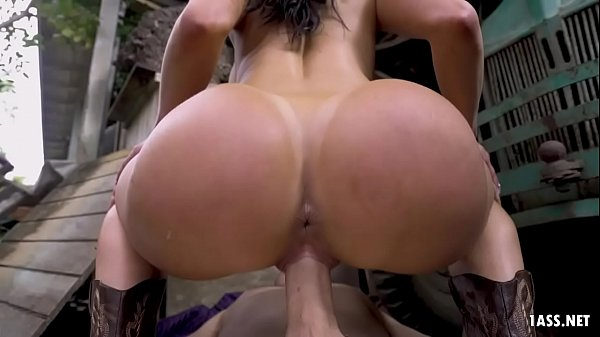 Horny MILF Kendra Lust Takes White Dick in the Barn