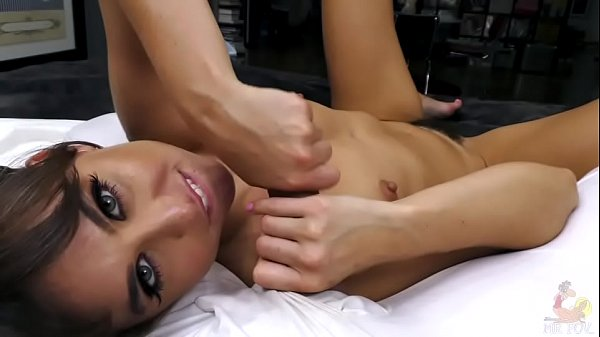 Riley Reid POV anal The Full Riley Experience Riley talks dirty finishes the job all over her face!
