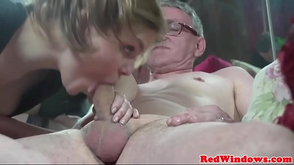 Young Adam hooker cumswaps with old guy Thumb