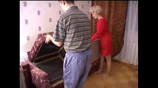 Image Russian mature mom and a friend of her son! Amateur! – wetxxxgirls.com