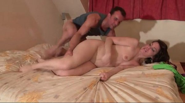 Sporty amateur french brunette anal fucked in her bed